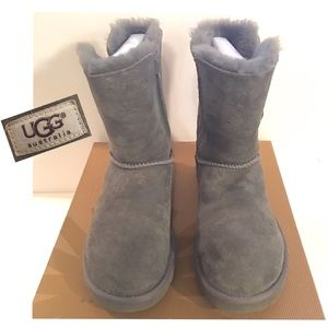 UGG W BAILEY BUTTON BOOTS-GREY- SIZE 7